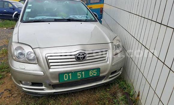 Acheter Occasions Voiture Toyota Avensis Gris à Douala au Littoral Cameroon