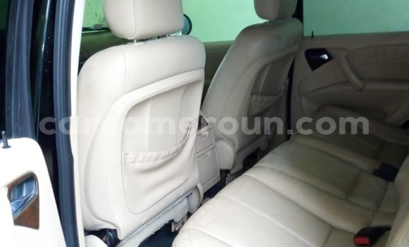 Acheter Occasions Voiture Mercedes Benz ML–Class Noir à Douala au Littoral Cameroon