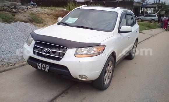 Acheter Occasions Voiture Hyundai Santa Fe Blanc à Yaoundé au Central Cameroon