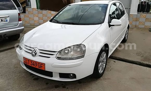 Acheter Occasions Voiture Volkswagen Golf Blanc à Yaoundé, Central Cameroon