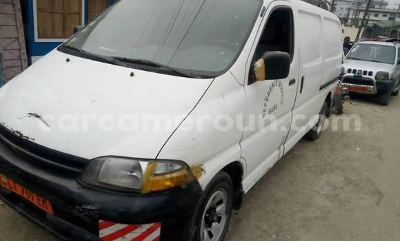 Acheter Occasion Voiture Toyota Hiace Blanc à Douala, Littoral Cameroon