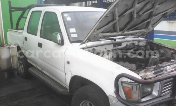 Acheter Occasion Voiture Toyota Hilux Blanc à Douala, Littoral Cameroon