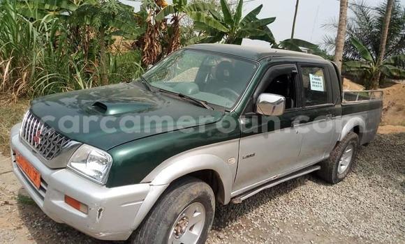 Acheter Occasion Voiture Mitsubishi L200 Vert à Yaoundé, Central Cameroon