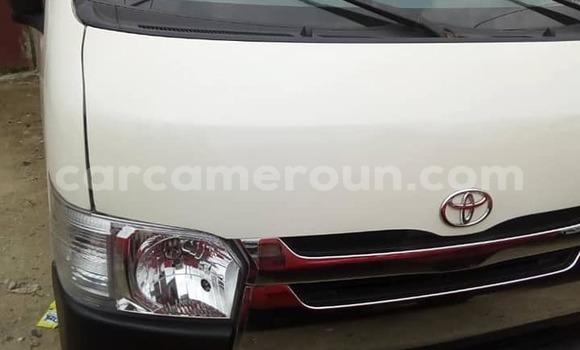 Acheter Occasion Voiture Toyota Hiace Blanc à Yaoundé, Central Cameroon