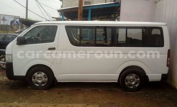 Acheter Occasion Voiture Toyota HiAce Blanc à Douala, Littoral Cameroon