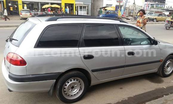 Acheter Occasion Voiture Toyota Avensis Gris à Douala, Littoral Cameroon