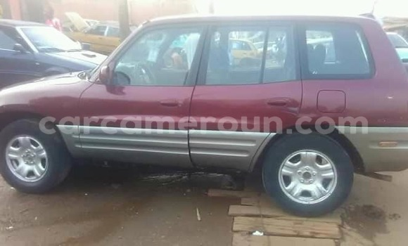 Acheter Occasion Voiture Toyota RAV4 Rouge à Yaoundé, Central Cameroon