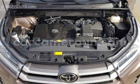 Acheter Importé Voiture Toyota Highlander Marron à Import - Dubai, Adamawa