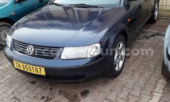 Acheter Occasion Voiture Volkswagen Passat Bleu à Douala, Littoral Cameroon