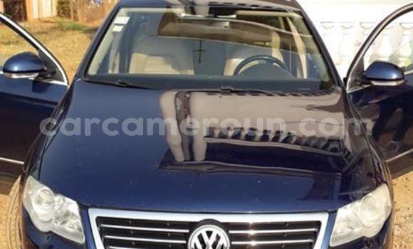 Acheter Occasion Voiture Volkswagen Passat Bleu à Yaoundé, Central Cameroon