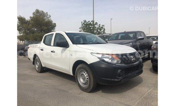Acheter Importé Voiture Mitsubishi L200 Blanc à Import - Dubai, Adamawa