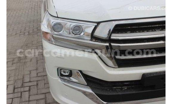 Acheter Importé Voiture Toyota Land Cruiser Blanc à Import - Dubai, Adamawa