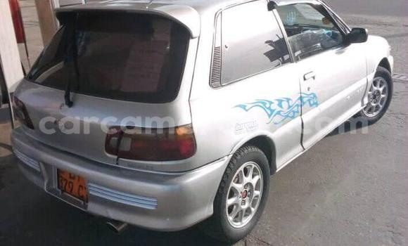 Acheter Occasion Voiture Toyota Starlet Gris à Douala, Littoral Cameroon