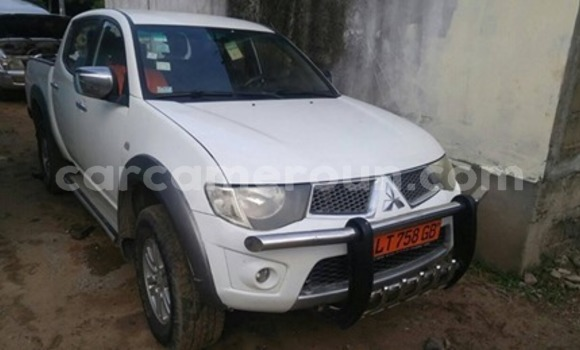 Acheter Occasion Voiture Mitsubishi L200 Blanc à Douala, Littoral Cameroon