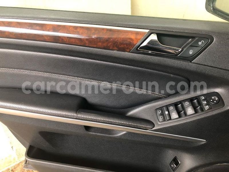 Big with watermark mercedes benz gl class littoral cameroon douala 7355