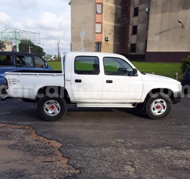 Big with watermark toyota pickup littoral cameroon douala 7483
