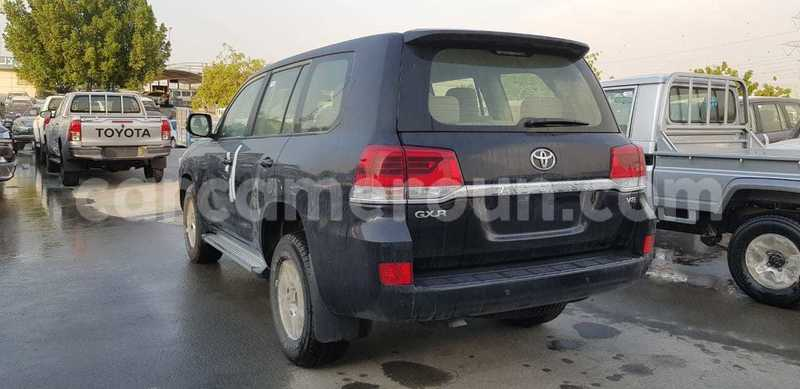 Big with watermark toyota land cruiser littoral cameroon douala 7508
