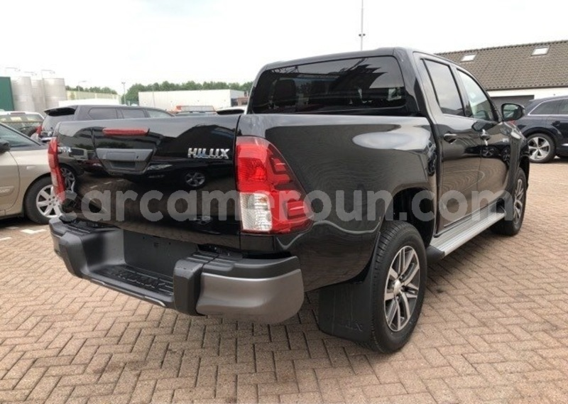 Big with watermark toyota hilux central cameroon yaounde 7708