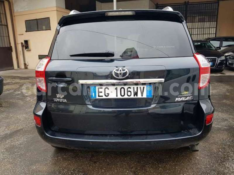 Big with watermark toyota rav4 littoral cameroon douala 7725