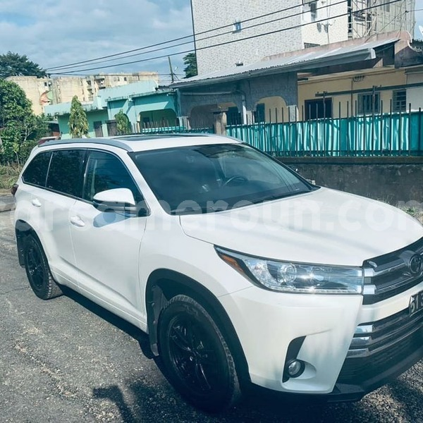 Big with watermark toyota highlander littoral cameroon douala 8007