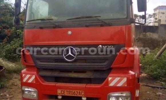 Acheter Occasion Utilitaire Mercedes‒Benz Axor Rouge à Yaoundé au Central Cameroon
