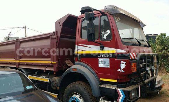 Acheter Occasion Utilitaire Mercedes‒Benz 2638 Rouge à Yaoundé au Central Cameroon