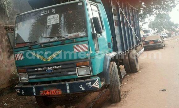 Acheter Occasion Utilitaire Ford Cargo Bleu à Yaoundé au Central Cameroon