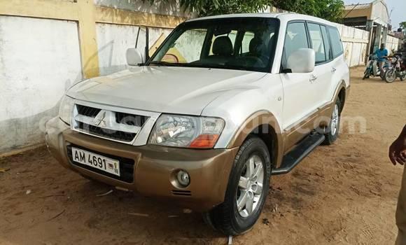 Acheter Occasion Voiture Mitsubishi Montero Sport Blanc à Yaoundé, Central Cameroon