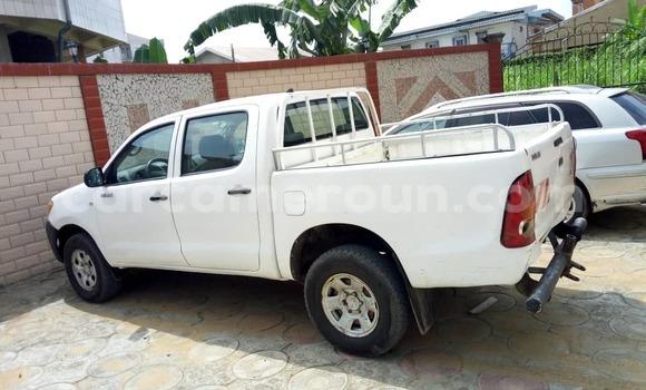 Acheter Occasion Voiture Toyota Hilux Blanc à Douala au Littoral Cameroon