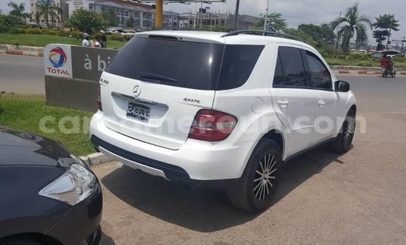 Acheter Occasion Voiture Mercedes Benz ML-Class Blanc à Douala au Littoral Cameroon
