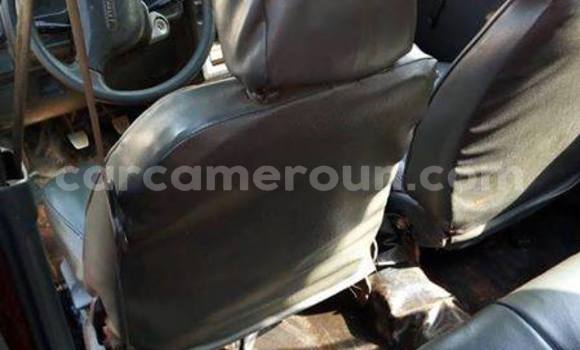 Acheter Occasions Voiture Toyota Starlet Rouge à Yaoundé au Central Cameroon