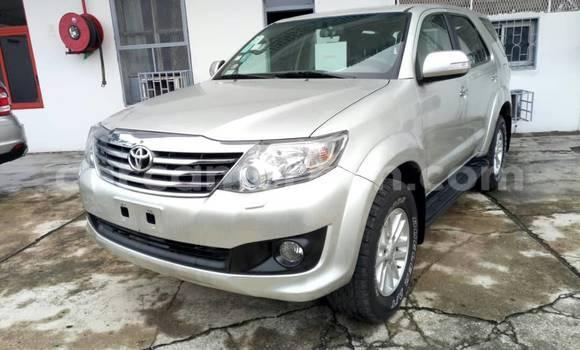 Acheter Occasions Voiture Toyota Fortuner Gris à Yaoundé au Central Cameroon