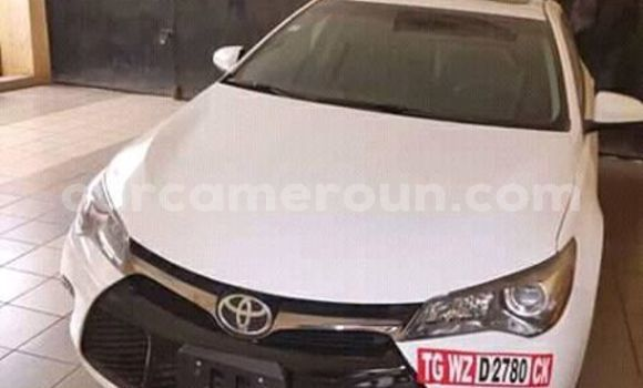 Acheter Occasions Voiture Toyota Camry Blanc à Douala au Littoral Cameroon